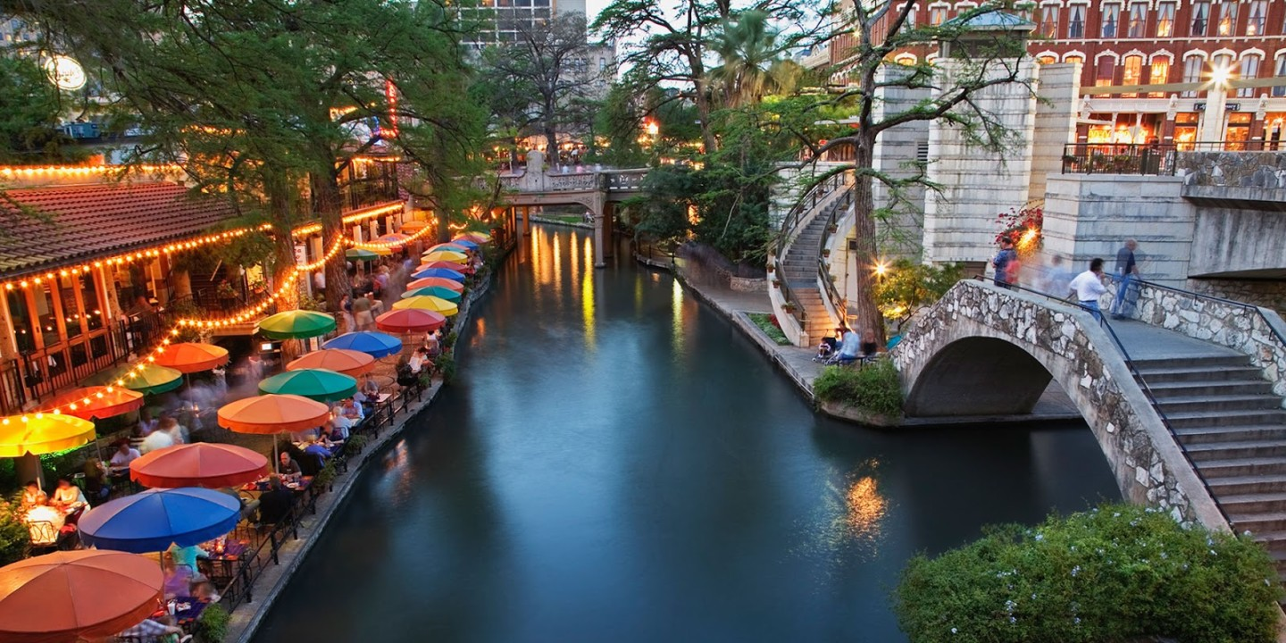 GI 200440484 001 SanAntonio Riverwalk 1